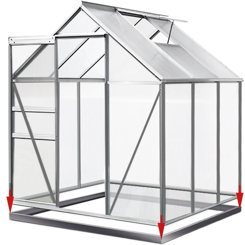 Gewächshaus aus Aluminium mit Pfeilen zum Aufstecken des Fundaments