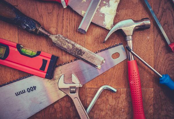 Werkzeug für Gartenhausbau